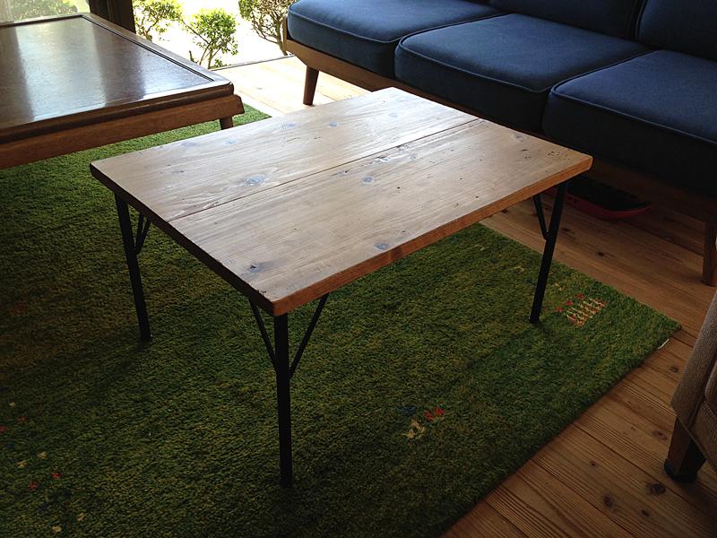 事務所のテーブルをつくる